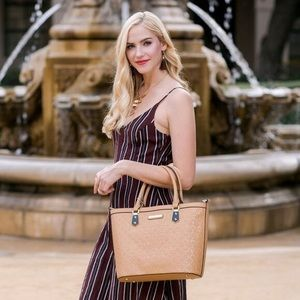 Nicole Lee Bags - ✤ Yasmin Engraved Shopper by Nicole Lee